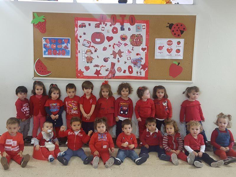 Fiesta del color rojo / 1 y 2 años